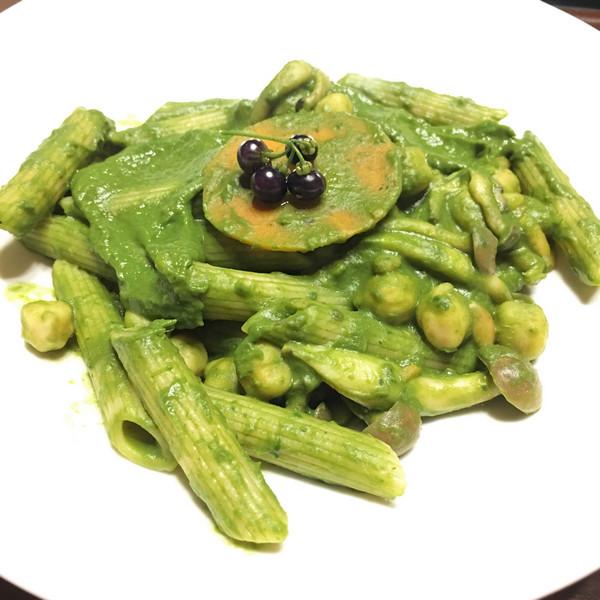 加上龍葵的地瓜葉青醬筆管麵