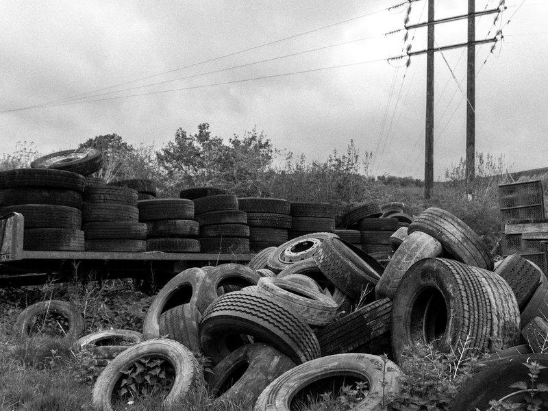 廢輪胎堆積