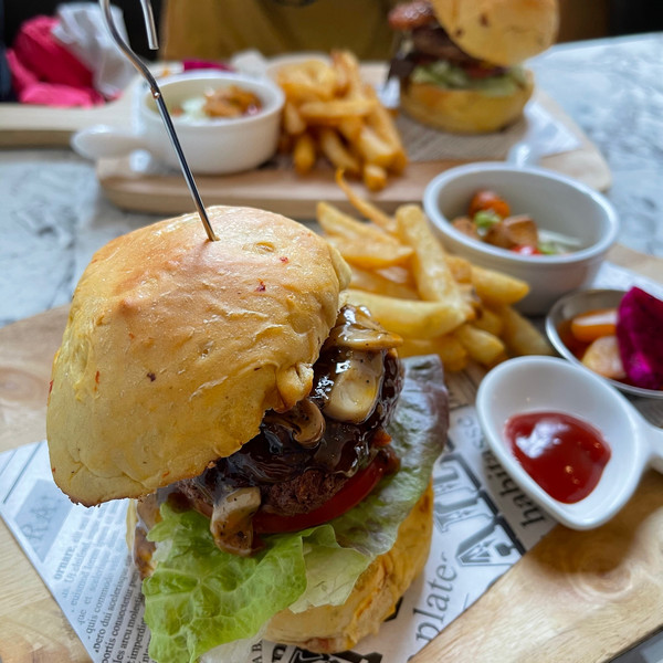 PP.99 cafe 蔬食vegan漢堡