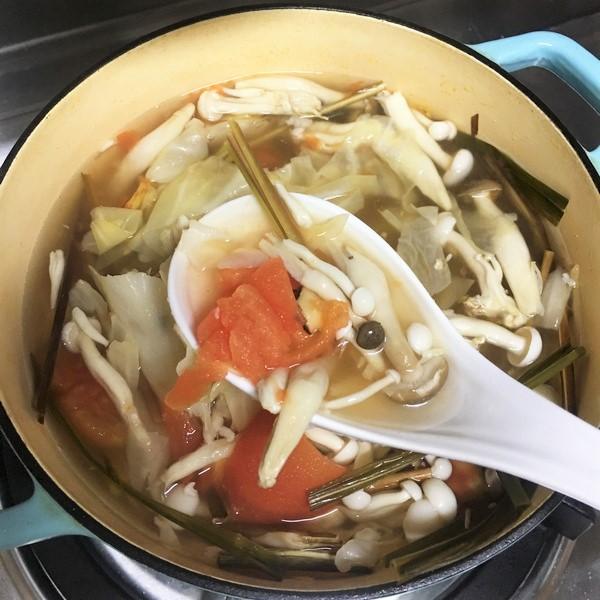 偽泰式蔬食酸辣湯